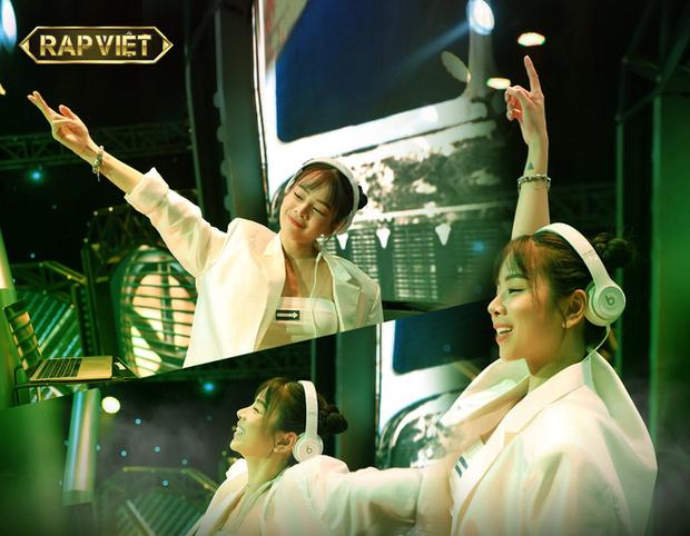 Đứng sau những phần thi ấn tượng tại Rap Việt là ekip quá xịn, từ Giám đốc âm nhạc đến DJ, ca sĩ hỗ trợ đều chơi nhạc cực đỉnh! - Ảnh 14.