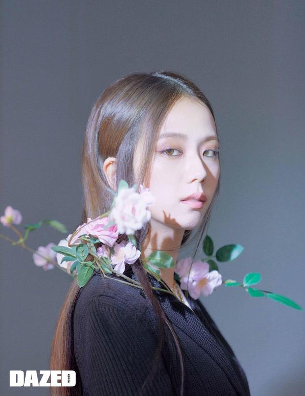 Ngoài Jisoo, đố ai cân được kiểu makeup buồn ngủ thế này: Đẳng cấp idol đẹp như Hoa hậu đâu phải nói suông! - Ảnh 3.