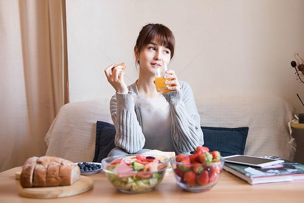 5 thời điểm dù thèm đến mấy cũng phải tránh ăn trái cây để không làm cơ thể thêm suy yếu - Ảnh 4.