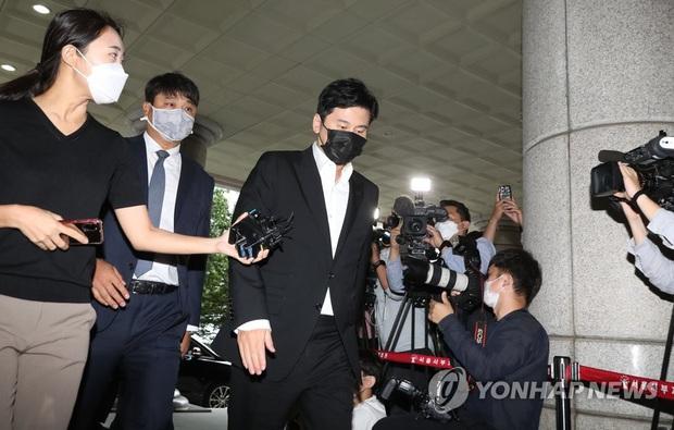 NÓNG: Cựu chủ tịch YG Yang Hyun Suk thừa nhận mọi cáo buộc đánh bạc, nướng gần 8 tỷ nhưng toà đưa ra án phạt gây phẫn nộ - Ảnh 3.