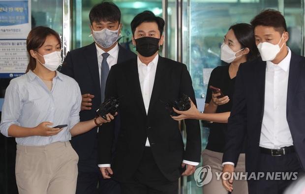 NÓNG: Cựu chủ tịch YG Yang Hyun Suk thừa nhận mọi cáo buộc đánh bạc, nướng gần 8 tỷ nhưng toà đưa ra án phạt gây phẫn nộ - Ảnh 2.