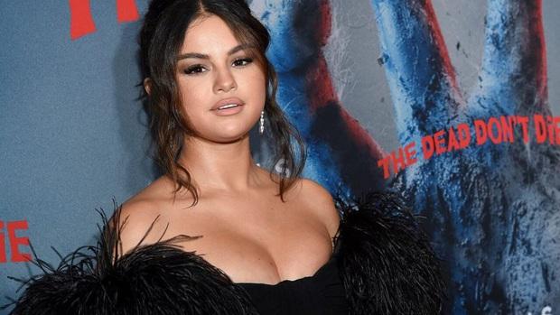 Selena Gomez gây sốt với nhan sắc lột xác, nhưng bị thánh soi bóc luôn hậu quả để lại do giảm cân quá nhanh - Ảnh 9.