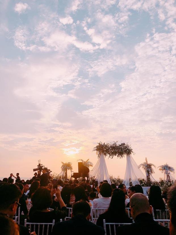 WOW Sunset Show: Concert chiêm ngưỡng bầu trời mê hoặc trong hoàng hôn đẹp bậc nhất Việt Nam tại Phú Quốc - Ảnh 1.