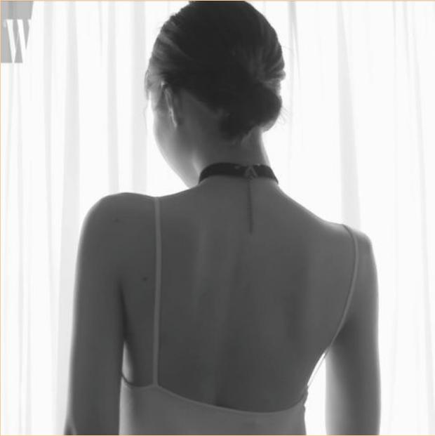 """Knet phát cuồng vì """"bờ vai móc áo"""" đẹp khó tin của Jennie (BLACKPINK): Bảo sao mặc gì cũng đỉnh, ảnh kém chất lượng dìm không nổi - Ảnh 3."""