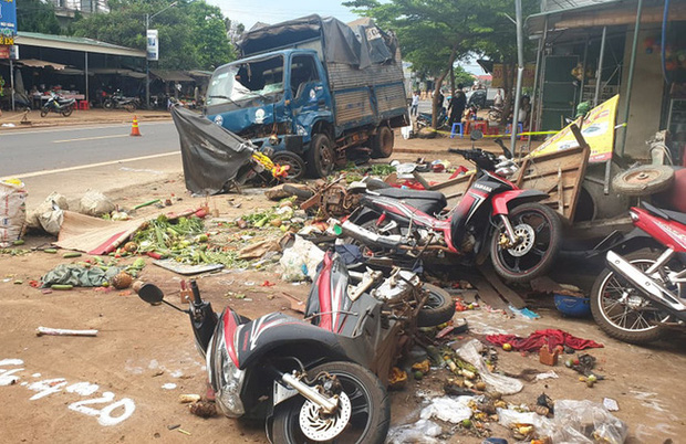 Tài xế chủ động tông vào các xe khác để giảm tốc, gây tai nạn kinh hoàng, 6 người tử vong - Ảnh 2.