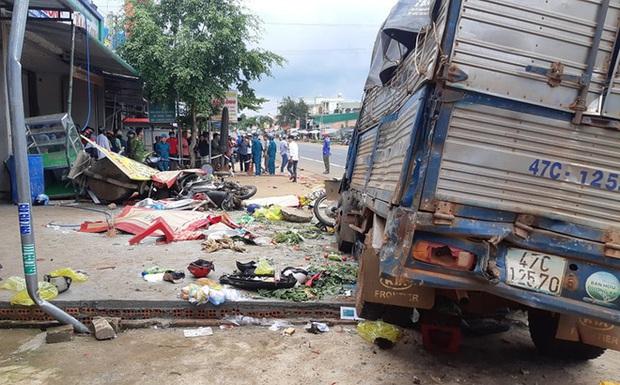 Tài xế chủ động tông vào các xe khác để giảm tốc, gây tai nạn kinh hoàng, 6 người tử vong - Ảnh 1.