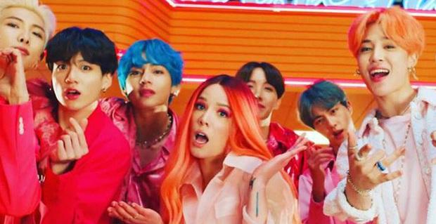 Dynamite của BTS trở thành bài hát thắng nhiều cúp nhất lịch sử Kpop, tiễn Boy With Luv và hàng loạt hit khác ra chuồng gà - Ảnh 4.