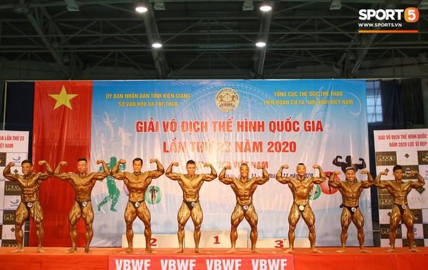 Từ 146 kg, chàng trai béo phì lột xác thành nhà vô địch tuyệt đối ở Giải thể hình danh giá nhất Việt Nam - Ảnh 2.