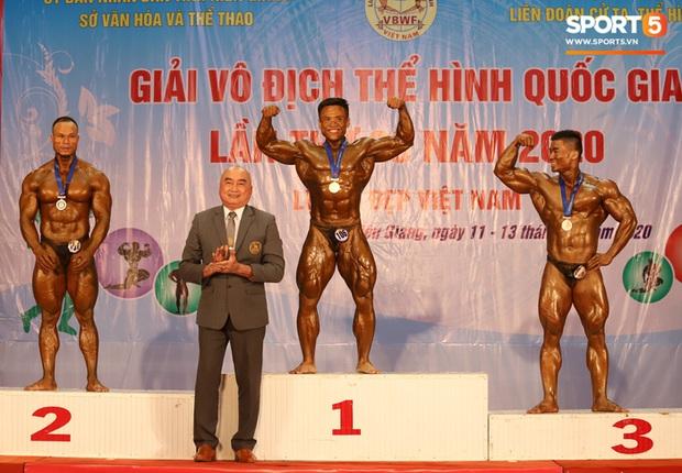 Từ 146 kg, chàng trai béo phì lột xác thành nhà vô địch tuyệt đối ở Giải thể hình danh giá nhất Việt Nam - Ảnh 14.