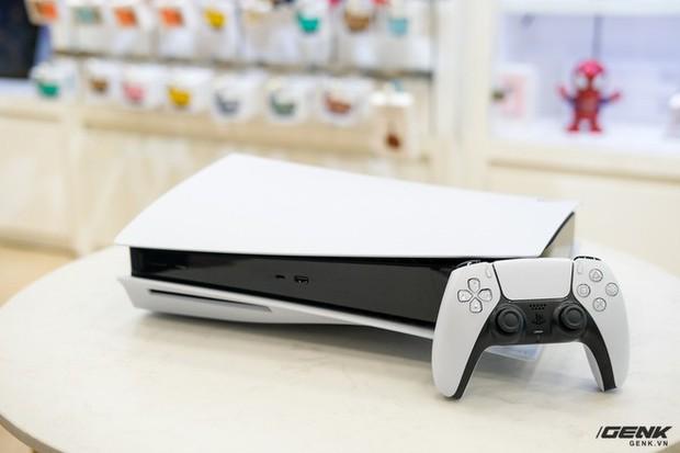 Cận cảnh PlayStation 5 đầu tiên vừa về Việt Nam, giá 34,5 triệu đồng - Ảnh 3.