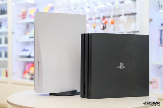 Cận cảnh PlayStation 5 đầu tiên vừa về Việt Nam, giá 34,5 triệu đồng - Ảnh 4.