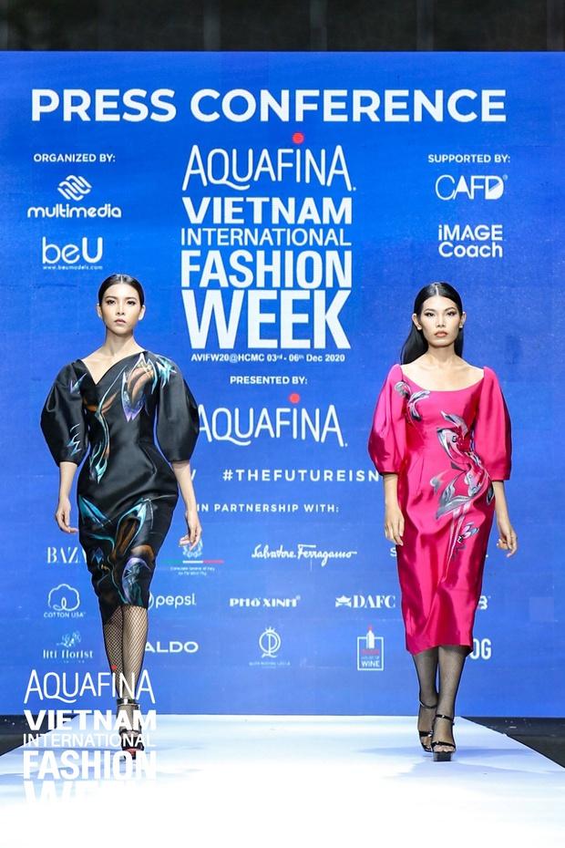 Họp báo Aquafina Tuần lễ thời trang Quốc tế Việt Nam: Phương Mai khoe vòng 1 thách thức, hé lộ mẫu thiết kế trong BST mở màn đến từ NTK Công Trí - Ảnh 9.