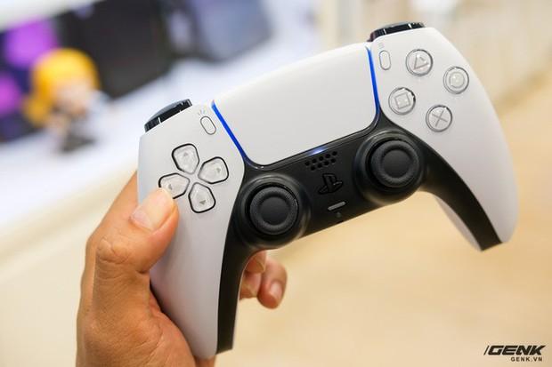 Cận cảnh PlayStation 5 đầu tiên vừa về Việt Nam, giá 34,5 triệu đồng - Ảnh 9.
