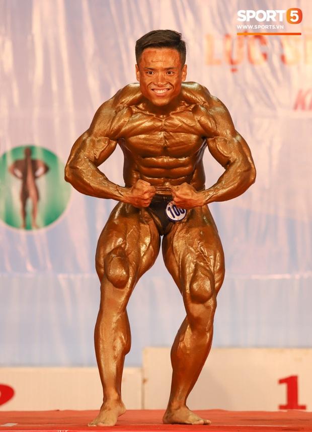 Từ 146 kg, chàng trai béo phì lột xác thành nhà vô địch tuyệt đối ở Giải thể hình danh giá nhất Việt Nam - Ảnh 11.