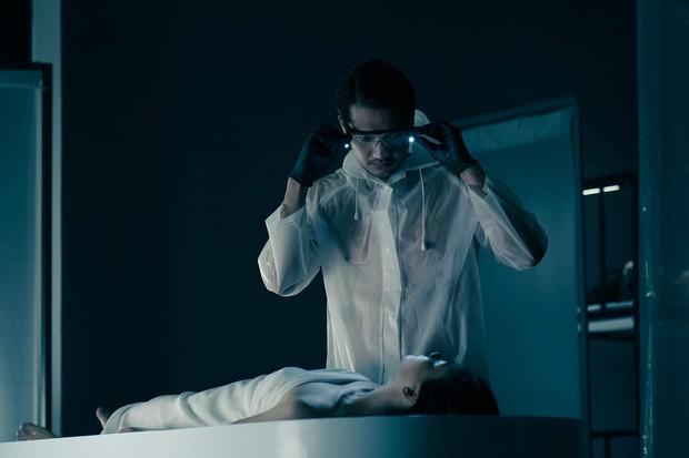 5 án mạng rùng rợn trên phim Việt: Quang Tuấn hai lần ái tử thi, Hoàng Thùy Linh ở không cũng thành sát nhân? - Ảnh 3.
