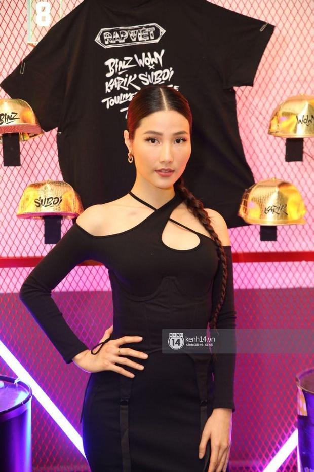 Thảm đỏ Chung kết Rap Việt: Suboi khoe răng kim cương, Diễm My 9X quá ngầu, Binz - Karik dính nhau như sam - Ảnh 16.