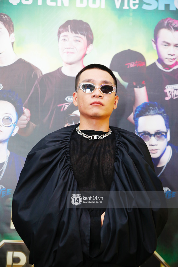 Thảm đỏ Chung kết Rap Việt: Suboi khoe răng kim cương, Diễm My 9X quá ngầu, Binz - Karik dính nhau như sam - Ảnh 7.