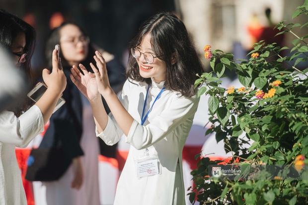 Trường Việt Đức kỷ niệm 65 năm: Đỗ Mỹ Linh xinh xuất thần, dàn khách mời khủng có Tuấn Hưng và thí sinh Rap Việt - Ảnh 1.