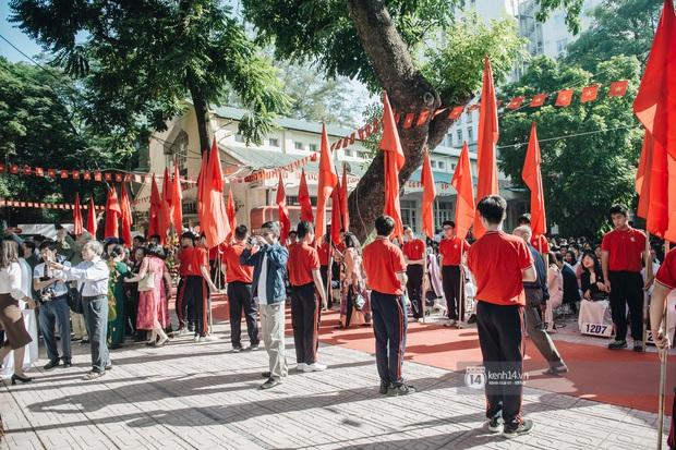 Trường Việt Đức kỷ niệm 65 năm: Đỗ Mỹ Linh xinh xuất thần, dàn khách mời khủng có Tuấn Hưng và thí sinh Rap Việt - Ảnh 13.