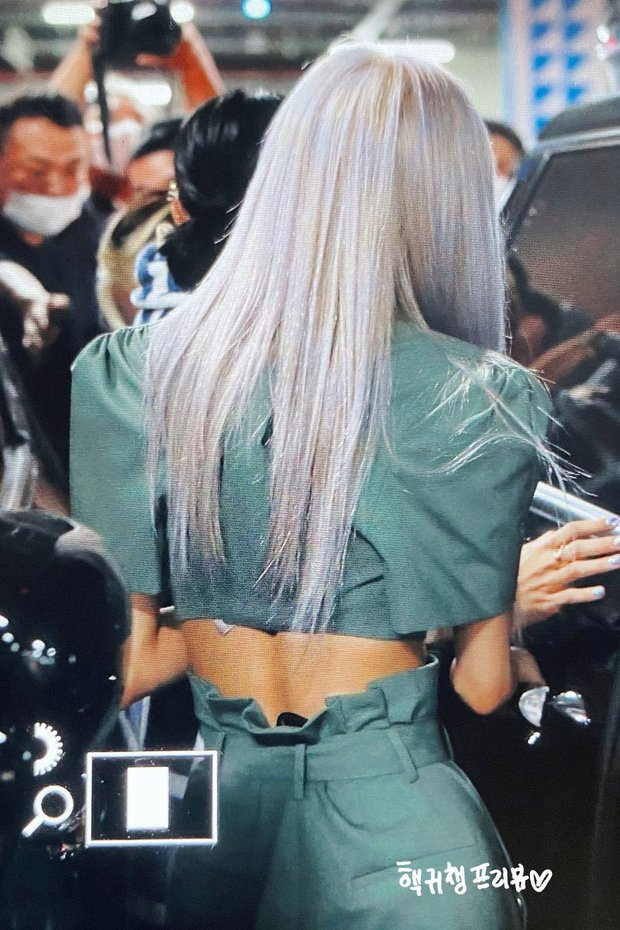 Nữ idol có bóng lưng đẹp nhất Kpop: Tóc bay như tác phẩm nghệ thuật, lộ rõ body cực phẩm, quay lại còn mê đắm hơn - Ảnh 9.