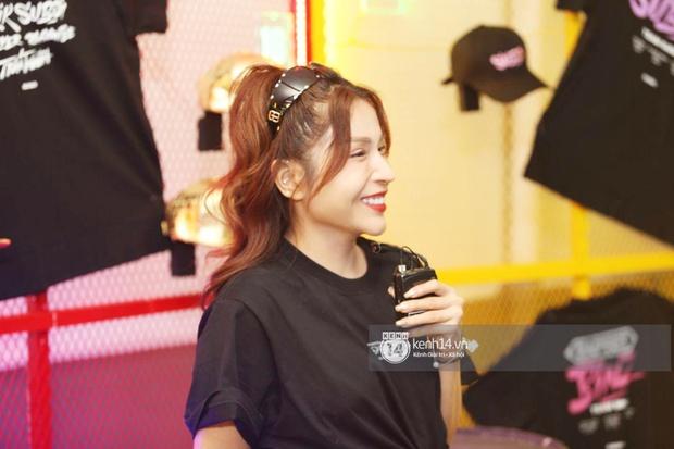 Thảm đỏ Chung kết Rap Việt: Suboi khoe răng kim cương, Diễm My 9X quá ngầu, Binz - Karik dính nhau như sam - Ảnh 26.
