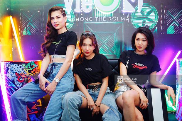 Thảm đỏ Chung kết Rap Việt: Suboi khoe răng kim cương, Diễm My 9X quá ngầu, Binz - Karik dính nhau như sam - Ảnh 27.