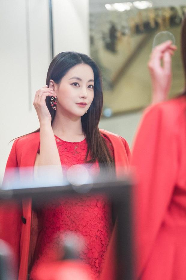 Tình tin đồn mới của Hyun Bin: Minh tinh bốc lửa nhưng nhan sắc lép vế Son Ye Jin, hóa ra là bạn gái cũ Kim Bum - Ảnh 4.