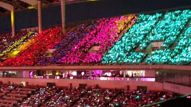 Giữa bão phản đối đêm nhạc Big Hit bán vé cắt cổ, Knet bồi hồi về concert nhà SM: Vé chỉ 600 nghìn mà mãn nhãn với loạt idol đình đám - Ảnh 2.