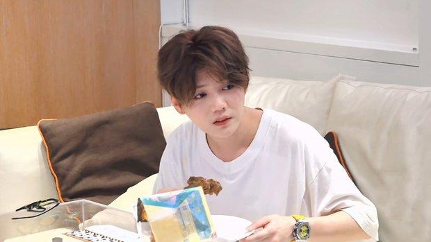 Tranh cãi mặt mộc của Luhan trên truyền hình: Người sửng sốt vì làn da hoàn hảo, kẻ thất vọng vì visual tuột dốc không phanh - Ảnh 11.