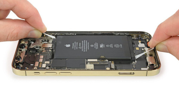 Ming-Chi Kuo: Pin iPhone sẽ nhỏ hơn vào năm sau, nhờ công nghệ mới - Ảnh 1.