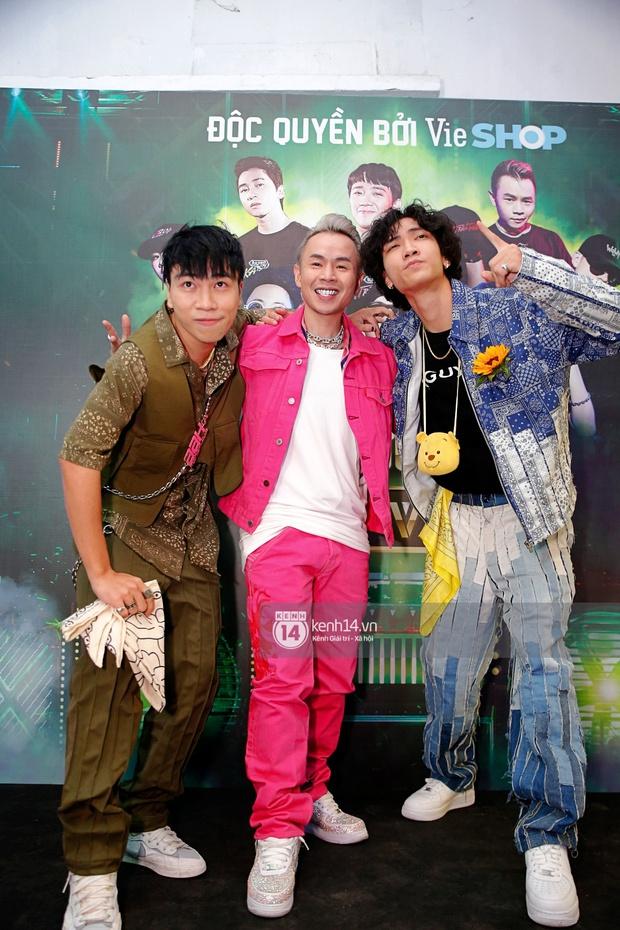 Thảm đỏ Chung kết Rap Việt: Suboi khoe răng kim cương, Diễm My 9X quá ngầu, Binz - Karik dính nhau như sam - Ảnh 13.
