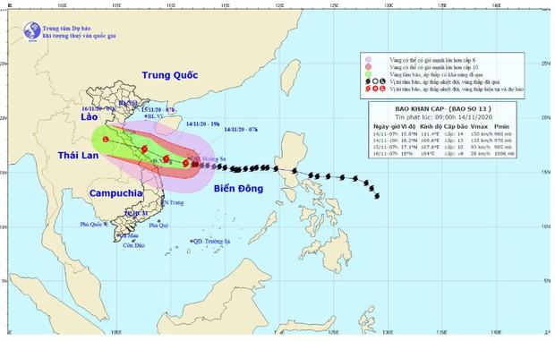 Bão số 13 áp sát đất liền, giật cấp 17 cực kỳ nguy hiểm, khẩn cấp sơ tán hàng trăm nghìn hộ dân - Ảnh 1.