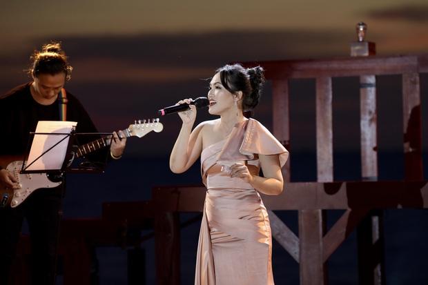 Nguyên Hà thích hát tại WOW Sunset Show vì kiểu gì cũng có hình đẹp, Lê Hiếu bật mí ca khúc bắt trúng tâm trạng khi yêu - Ảnh 7.