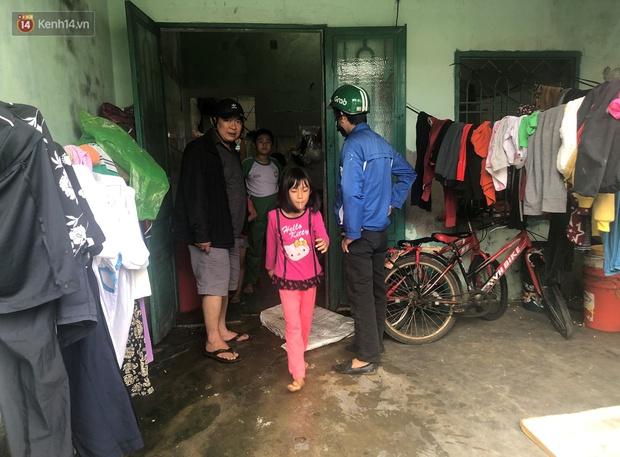 Đà Nẵng sơ tán hơn 92.000 người tránh bão số 13: 2 tháng mà phải chạy bão đến 3 lần, tôi lo mất cả Tết quá - Ảnh 3.