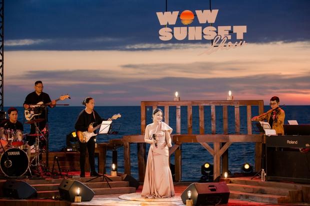Review WOW Sunset Show: Không đèn led nào so được với ánh hoàng hôn, chẳng nhóm bè nào hoàn hảo hơn tiếng sóng biển - Ảnh 7.