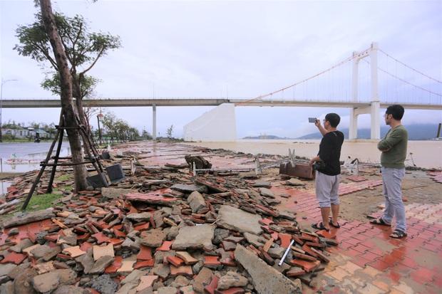 Thiệt hại nặng nề do bão số 13 gây ra tại miền Trung: 18 người bị thương, hơn 1.500 căn nhà bị tốc mái và sập - Ảnh 5.