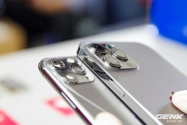 Mổ bụng iPhone 12 Pro Max tại Việt Nam: pin chữ L dung lượng 3.687mAh, camera sau vừa to vừa dài - Ảnh 21.
