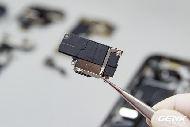 Mổ bụng iPhone 12 Pro Max tại Việt Nam: pin chữ L dung lượng 3.687mAh, camera sau vừa to vừa dài - Ảnh 9.