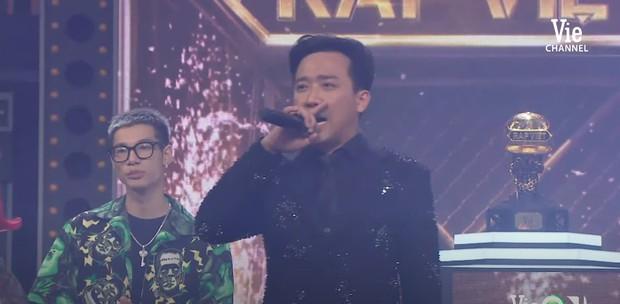 """Trấn Thành bắt đầu có biểu hiện y hệt rapper sau Rap Việt, netizen rầm rộ: """"Thành Cry không comeback thì quá phí!"""" - Ảnh 3."""