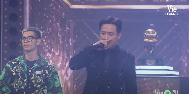 """Trấn Thành bắt đầu có biểu hiện y hệt rapper sau Rap Việt, netizen rầm rộ: """"Thành Cry không comeback thì quá phí!"""" - Ảnh 2."""
