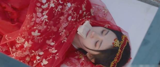 Cúc Tịnh Y bị chôn sống dã man ở clip nhá hàng Như Ý Phương Phi tập 31-32 - Ảnh 1.
