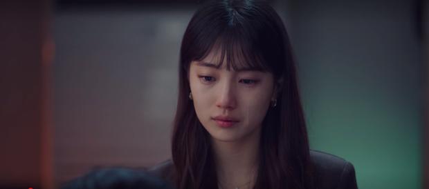 Vừa tỏ tình thất bại, nam phụ quốc dân Kim Seon Ho lại bị bóp cổ dọa giết ở Start Up tập 10 - Ảnh 1.