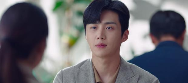Vừa tỏ tình thất bại, nam phụ quốc dân Kim Seon Ho lại bị bóp cổ dọa giết ở Start Up tập 10 - Ảnh 3.