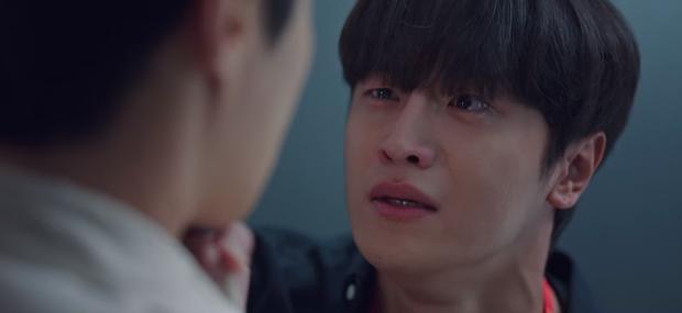 Vừa tỏ tình thất bại, nam phụ quốc dân Kim Seon Ho lại bị bóp cổ dọa giết ở Start Up tập 10 - Ảnh 6.
