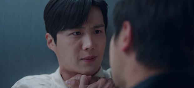 Vừa tỏ tình thất bại, nam phụ quốc dân Kim Seon Ho lại bị bóp cổ dọa giết ở Start Up tập 10 - Ảnh 7.