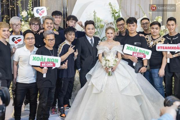 Ngày cưới Xemesis - Xoài Non, 3 cặp đôi trai tài, gái sắc thế hệ mới của làng stream Việt tay trong tay, tình tứ khỏi nói - Ảnh 10.