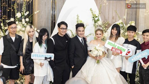 Ngày cưới Xemesis - Xoài Non, 3 cặp đôi trai tài, gái sắc thế hệ mới của làng stream Việt tay trong tay, tình tứ khỏi nói - Ảnh 9.