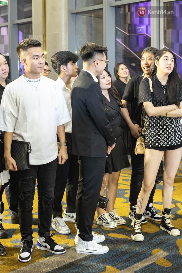 Soi giày xịn của dàn khách mời trong đám cưới Xemesis: Có đôi gần 125 triệu đồng, riêng giày của ViruSs cháy hàng mọi mặt trận! - Ảnh 6.