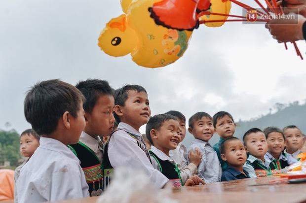 Giữa cuộc sống ồn ào nhộn nhịp ta vẫn thấy vẻ đẹp diệu kỳ của sự gắn kết giữa người Việt Nam - Ảnh 8.