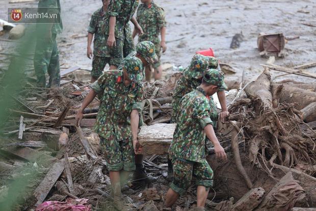 Giữa cuộc sống ồn ào nhộn nhịp ta vẫn thấy vẻ đẹp diệu kỳ của sự gắn kết giữa người Việt Nam - Ảnh 4.